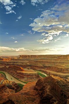 ✮ Dead Horse Point - Moab, Utah  Truly one of the neatest places I have been!!