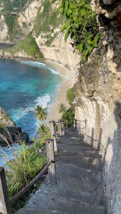 Diamond Beach,  Nusa Penida (Bali)