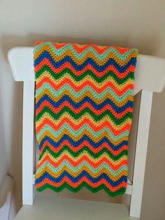 Chevron Single Crochet Little Baby Blanket - free pattern from Happiness Crafty.