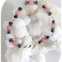 Claudine création bijoux fantaisie - Un grand marché Creations, Beaded Bracelets, Roses, Boutique, Jewelry, Fashion, Crystals, Lobster Clasp, Fantasy