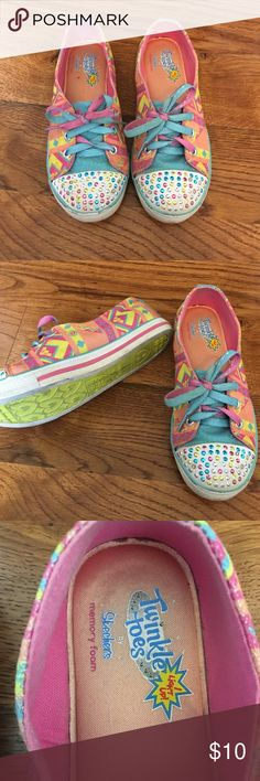 Girls Skechers Twinkle Toes Memory Foam Shoes 1.5 Little Girls Size 1.5. Good pre-owned condition. A few scuffs. They light up when you walk. Only worn a few times. Really cute! Bundle and save, adding more! Skechers Shoes Sneakers