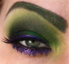 Maquillaje de ojos Hulk