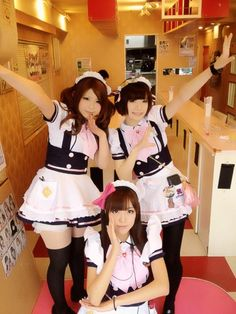 A cosplay maid cafe in the Akihabara (Electric Town) area of Tokyo. Waitresses dressed in maid costumes act as servants, and treat customers as masters or mistresses. Maid Cosplay, Cosplay Anime, Cosplay Girls, Maid Outfit, Maid Dress, Cute Costumes, Cosplay Costumes, Maid Costumes, Cute Asian Girls