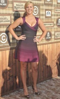 Amy Schumer Picture 3 - Comedy Central Roast of Roseanne Barr Celebrity Look, Celebrity Pictures, Beautiful Celebrities, Beautiful Actresses, Jennifer Lawrence Photoshoot, Classy Women, Sexy Women, Comedian Amy Schumer, Caroline Rhea