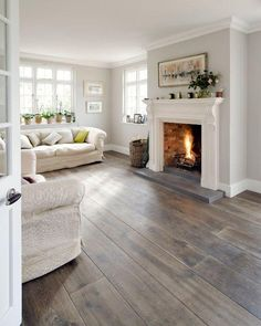 Living Room Hardwood Floors, Living Room Wood Floor, Grey Wood Floors, Home Living Room, Wood Flooring, Grey Walls, Kitchen Flooring, Kitchen With Hardwood Floors, Grey Living Room Paint