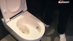 Edle Optik, hohe Funktionalität und ein Star bei der Hygiene. Das ONE WC von Geberit kann aber noch mehr ... Corner Bathtub, Toilet, Sink, Bathroom, Home Decor, Home Technology, Sink Tops, Washroom, Vessel Sink
