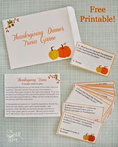 2014 SA- Free Printable Thanksgiving Trivia - fun dinner game to get the conversation going! Includes 32 cards, instruction card, and a cute envelope to put it all in. Would be great as a hostess gift too! Thanksgiving Family Games, Thanksgiving Facts, Free Thanksgiving Printables, Thanksgiving Traditions, Thanksgiving Parties, Thanksgiving Decorations, Free Printables, Thanksgiving Table, Thanksgiving Prayer