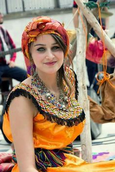 "The Algerian woman ""Kabyle"" - Dress 03 Country Look, Love Fashion, Womens Fashion, House Dress, World Cultures, Traditional Dresses, Amazing Women, Fashion Dresses, Dresses With Sleeves"