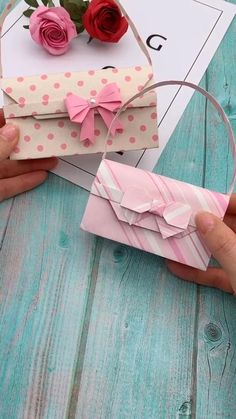 Me for more handmade tutorial why not show your work in the comment area mother s day gift ideas for when you can t celebrate in person Mode Origami, Instruções Origami, Origami Simple, Origami Fashion, Diy Fashion, Paper Crafts Origami, Paper Crafts For Kids, Diy Bags Out Of Paper, Diy Paper