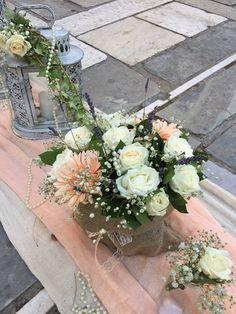 Προτάσεις στολισμός γάμου ιδέες- Ανθοπωλείo ,στολισμός γάμου & βάπτισης,γαμος, βαπτιση, προσφορα γαμου,γαμήλια διακόσμηση,στολισμος εκκλησιας,Ανθοπωλεία γάμου,Προσφορές για δεξιώσεις γάμων, βάπτισης,αποστολη λουλουδιων,Wedding Decoration Ideas Vintage Αθήνα Floral Wreath, Wreaths, Runners, Flowers, Wedding, Vintage, Home Decor, Hallways, Valentines Day Weddings