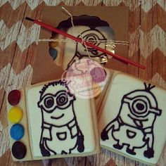Paint Cookies, Roll Cookies, Cookies For Kids, Royal Icing Cookies, Sugar Cookies, Minions, Baking Company, Kid Character, Disney Ideas