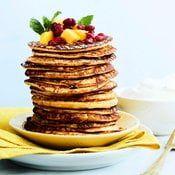 Tarjoile letut hedelmien kera. Kuva: Tuomas Kolehmainen Pancakes, Breakfast, Food, Morning Coffee, Essen, Pancake, Meals, Yemek, Eten