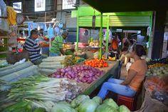 Local market in Santa Marta, #Colombia.