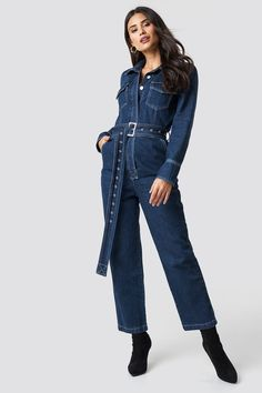 This jumpsuit by Chloé B x NA-KD features denim material, a classic collar, button closures down the front, two flap pockets on the chest, two back pockets and a removable waist belt. Jeans Jumpsuit, Overalls, Denim Belt, Weekend Style, Winter Outfits, Winter Clothes, Dark Denim, Denim Fashion, High Waist Jeans