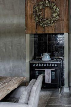 reportage WLS by Ivar Janssen Modern Country Kitchens, Rustic Kitchen, Home Kitchens, Chantal, Belgian Style, Comfort Design, Grey Table, Summer Kitchen, Kitchen Living