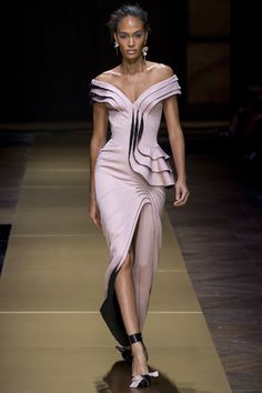 Atelier Versace Fall 2016 Couture Fashion Show - Joan Smalls (IMG)