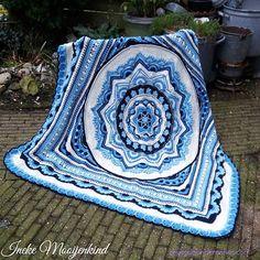 Ravelry: The Lost Garden pattern by Helen Shrimpton Zig Zag Crochet, Crochet Mandala Pattern, Crochet Square Patterns, Crochet Circles, Crochet Quilt, Manta Crochet, Crochet Squares, Crochet Blanket Patterns, Crochet Stitches