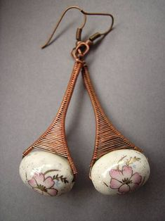 these are old one But i like them because of their's unusual shape and as usual - etsy shop - [link] blossom earrings Wire Wrapped Earrings, Wire Earrings, Earrings Handmade, Handmade Jewelry, Statement Earrings, Wire Jewelry Designs, Jewelry Patterns, Jewelry Crafts, Copper Jewelry