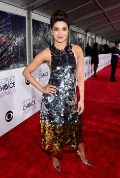 2016 People's Choice Awards - Priyanka Chopra - The Quantico lead dazzled in a gold and silver sequin gown.