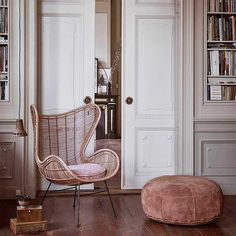 Everything you've ever wanted to know about the iconic Egg chair, plus tons of inspiration and a curated selection of this chic design. Living Room Chairs, Rattan Egg Chair, Loft Style Living Room, Chair, Furniture, Ikea Chair, Pink Desk Chair, Chairs Loft, White Leather Dining Chairs