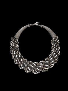 Miao necklace | Roberto Farruggio | Glossom