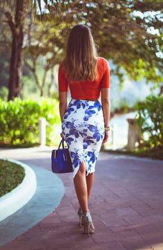 Summer trends | Floral dress, sandals, handbag