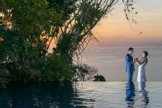 Photo Blog of a Pacific Coast Wedding in Costa Rica – Villa Caletas 2015 by John Williamson Photography http://blog.weddingphotoscostarica.com/2015/05/09/pacific-coast-wedding-at-villa-caletas-costa-rica-2015/#jp-carousel-4490