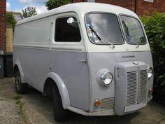 Peugeot D4B Splitscreen Van/Camper (1964)