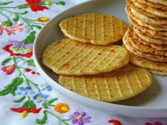 cheesy crackers / Sajtos tallér Hungarian Cuisine, Hungarian Recipes, Hungarian Food, Savory Pastry, Wafer Cookies, Good Foods To Eat, Food For Thought, Dessert Recipes, Food And Drink