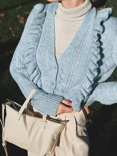 Short Cardigan Outfits - Styling Guide Cardigan Outfits, Styling Tips, Style Guides, Perfect Fit, Winter Outfits, Mood, Fashion Tips, Fashion Hacks, Fashion Advice
