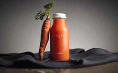 Press-carrot-juice-bottle