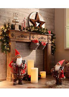 Weihnachtsmann im Universal Online Shop