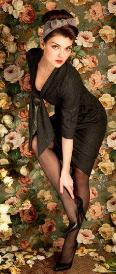 Lena Hoschek. V Modern Vintage Fashion, 1950s Fashion, Vintage Style, Pin Up Models, Teddy Boys, Pin Up Hair, Wool Dress, New People, Vintage Girls