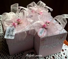 Container, Gift Wrapping, Gifts, Paper Wrapping, Presents, Wrapping Gifts, Favors, Gift Packaging, Canisters
