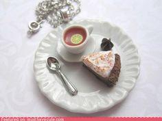 Chocolate strata pie necklace