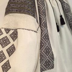 IaAidoma. Romanian blouse detail. Folk Costume, Costumes, Folk Art, Textiles, The Incredibles, Traditional, Detail, Blouse, Shirts