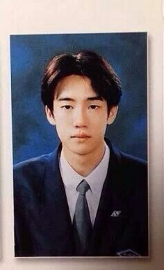 Yoo Yeon Seok at high school