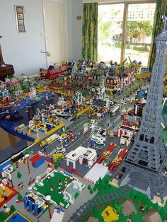 Oh to have this much lego. enough to build a giant lego city! Minifigura Lego, Van Lego, Lego Craft, Minecraft Crafts, Lego City, Village Lego, Construction Lego, Lego Boards, Amazing Lego Creations