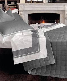 Sheet set for double-bed, www.amoreitalyhome.com A good night's sleep is the key to good health and will help to make you feel more energetic and creative.  Lovely smooth sheets give one a greater degree of relaxation. The high quality material of our sheets can give you a greater feeling of comfort and pleasure especially when sharing with someone important to you