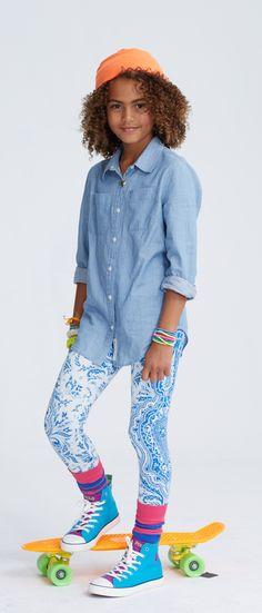 Ralph Lauren Girl's blue legging, featuring a bright paisley pattern.