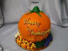 Pumpkin cake idea for thanksgiving, halloween or birthday party.