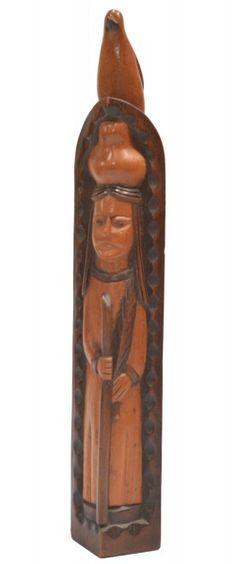 Mestre Paquinha. 40x6x7 cm