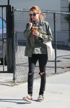 Urban Outfits, Cool Outfits, Casual Outfits, Emma Roberts Style, Black Ripped Jeans, Kendall Jenner Outfits, Tokyo Fashion, Victoria Dress, Red Carpet Fashion