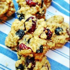 Mix it Up: Oatmeal Dried Fruit Cookies
