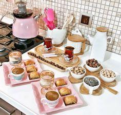 Romantic Meals, Romantic Food, Breakfast Platter, Kitchen Room Design, Food Platters, Food Decoration, Arabic Food, Deco Table, Coffee Cafe