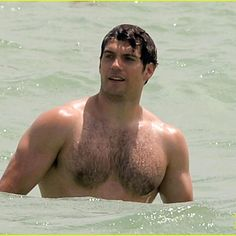 BUFF BEACH BOD ALERT: @henrycavill enjoys a swim in Miami via @JustJared…