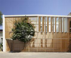 ELONGATED INDUSTRIAL BOX DING HUI YUAN ZEN & TEA CHAMBER Project name: Ding Hui Yuan Zen & Tea Chamber Location: Beijing, China Client: Better Lift Art Club...