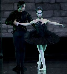 Rodarte finally get their glory: Black Swan tutu designers who missed out on movie credit are subject of new exhibition | Mail Online