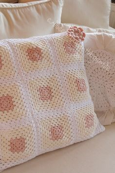 granny pillow and blanket with rose