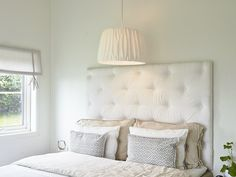 Light over bed Dream Bedroom, Home Bedroom, Modern Bedroom, Kids Bedroom, Bedroom Wardrobe, Love Your Home, Beautiful Bedrooms, Home Furniture, Bed Pillows